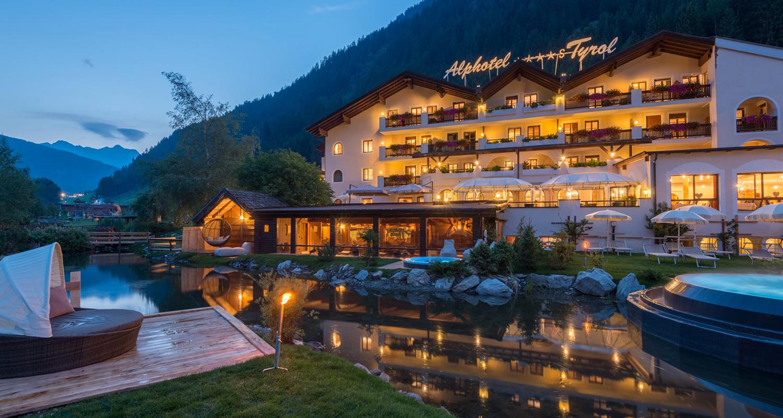 Alphotel_Tyrol_Aussenansicht_online_1500