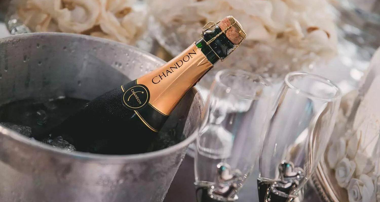 csm_Header_champagne__Jean_Borges_auf_Pixabay_-1196112_1920_57f0ca466c