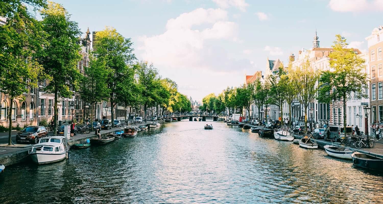 csm_Amsterdam_adrien-olichon-QRtym77B6xk-unsplash_4e0859de7d