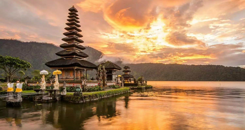 csm_bigstock-Pura-Ulun-Danu-Bratan-At-Bali-91052363_2000_c7a268670d
