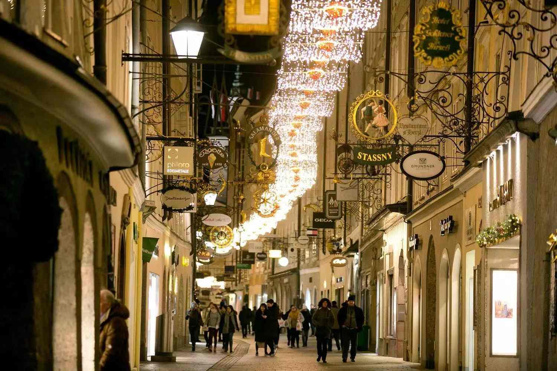 csm__c_wildbild_Weihnachtsbeleuchtung_Getreidegasse_1_OR_9033_d8ebd1d3f6