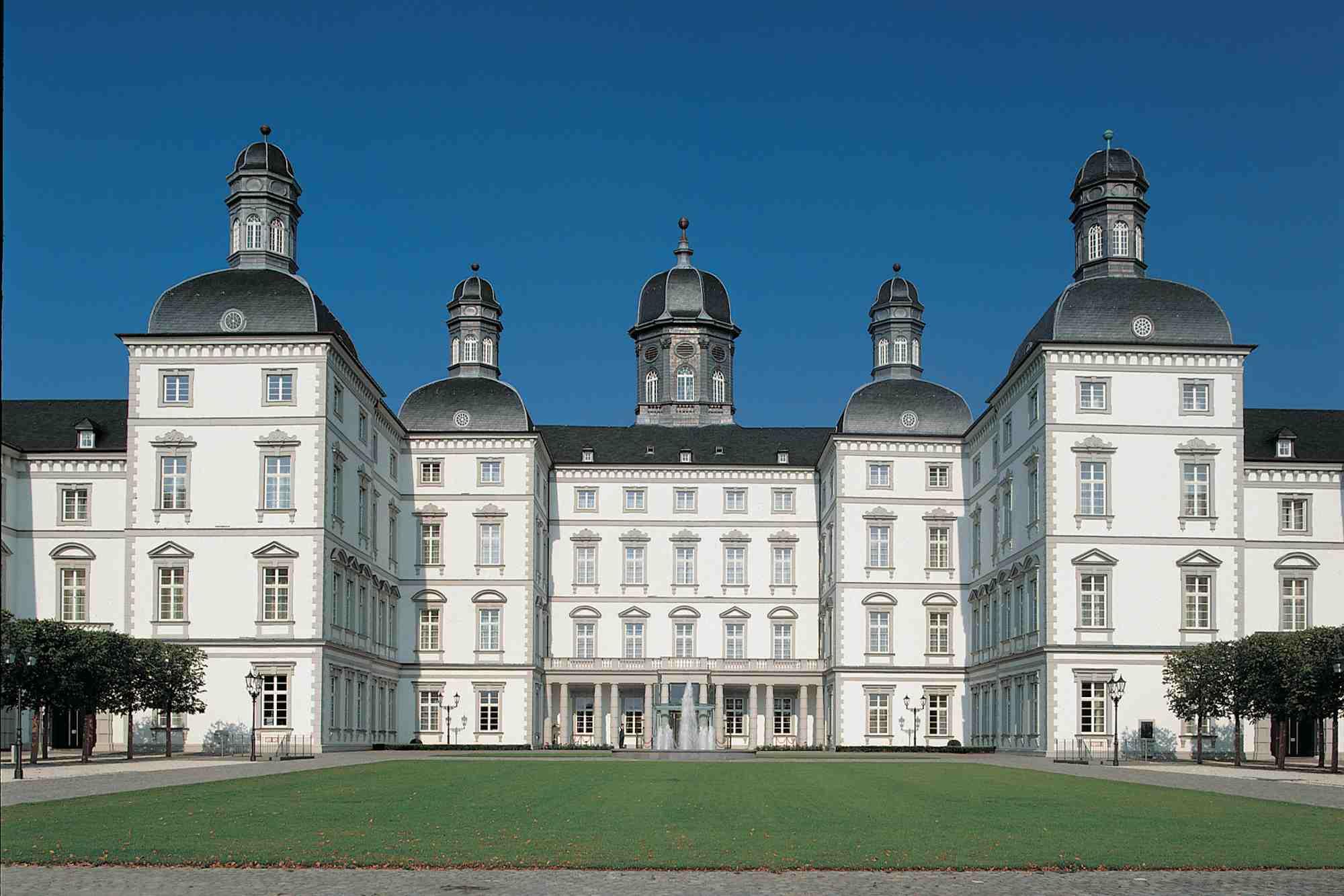 Schloss_Front