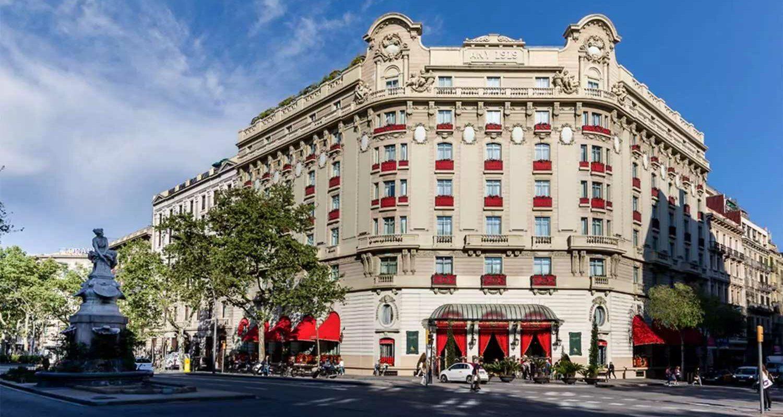 csm_Header_El_Palace_facade_11__c__El_Palace_Barcelona_0e33055798