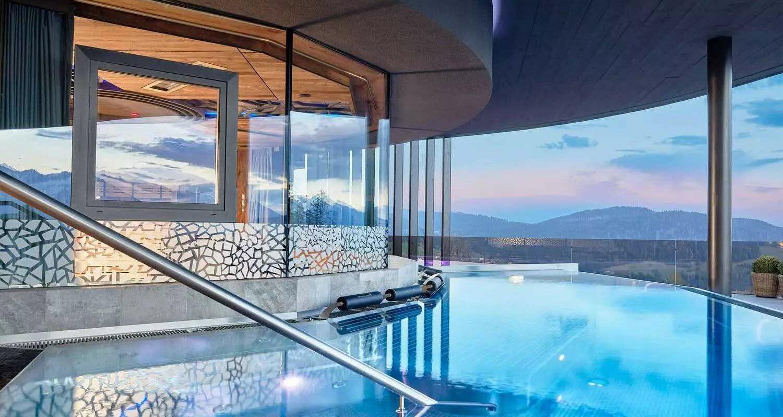 csm_Hotel_Chalet_Mirabell_Outdoor_Pool_Da__mmerung_d3c437b67a