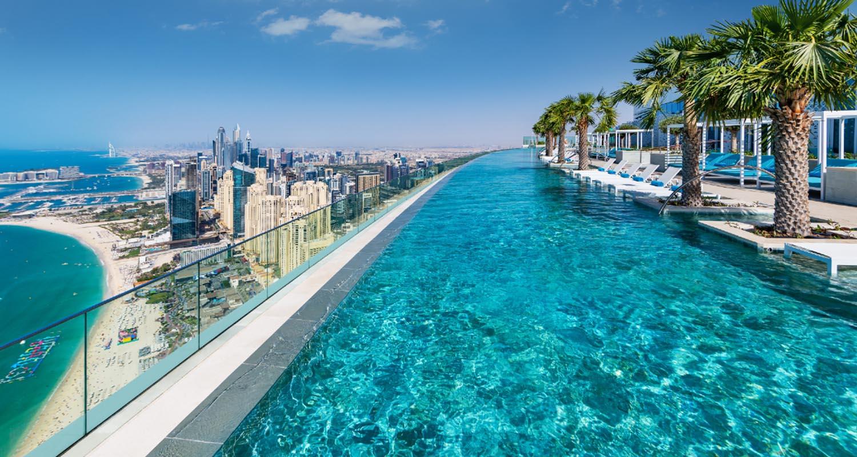 Der höchste Infinity Pool der Welt hat in Dubai eröffnet