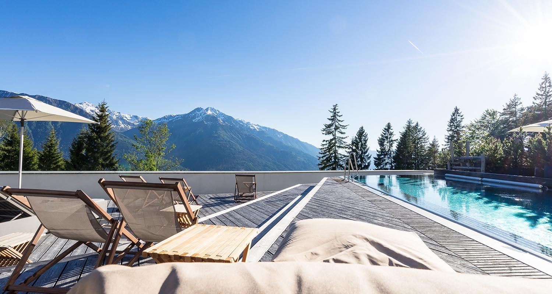 hoteleigener_pool_hotel_nidum