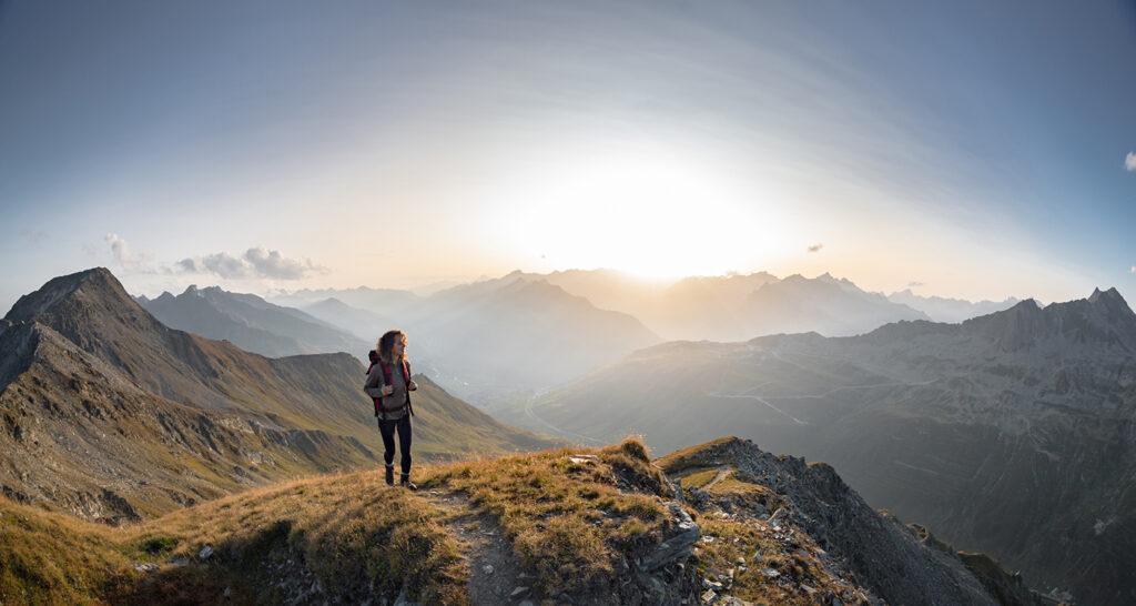 Andermatt_Hiking-Mountains