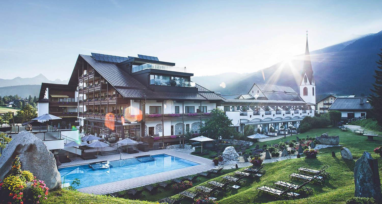 csm_Wellness_-_Hotel_-_Seefeld_-_Ansicht_-_Sommer7_caa3031b4e