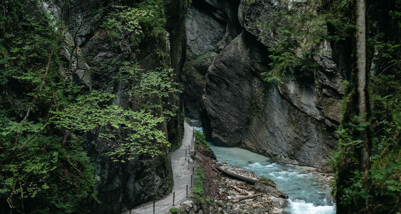 Von Schweizer Alpen bis Down Under: Das sind die schönsten Wanderrouten rund um den Globus